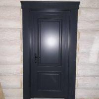 Входные деревянные двери из лиственницы и дуба